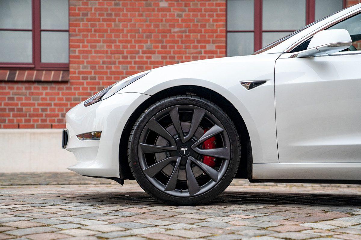 Tesla Model 3 - Reifen