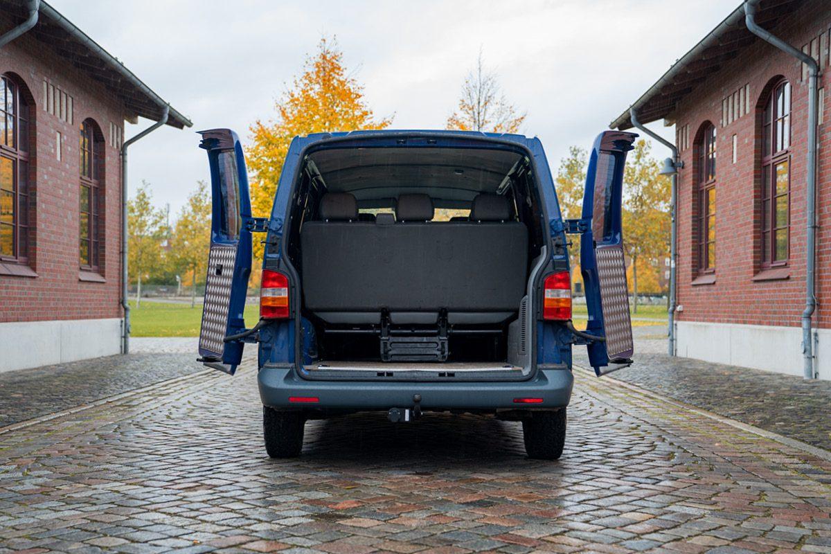VW T5 -Heck geöffnet